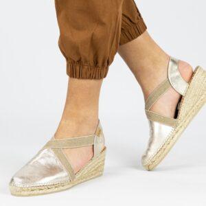 Gouden schoenen met sleehak Toni Pons